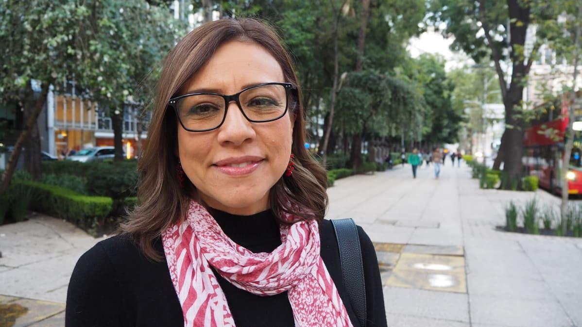 Eje central -sanomalehden päätoimittaja María Idalia Gómez on perehtynyt erityisesti turvallisuuskysymyksiin ja huumekartelleihin.