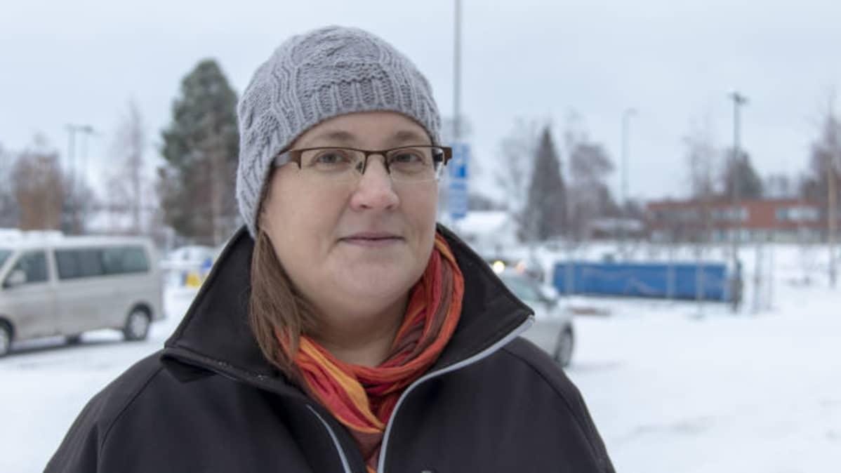 Leea Holmi on ProAgria Oulun maitotila-asiantuntija.