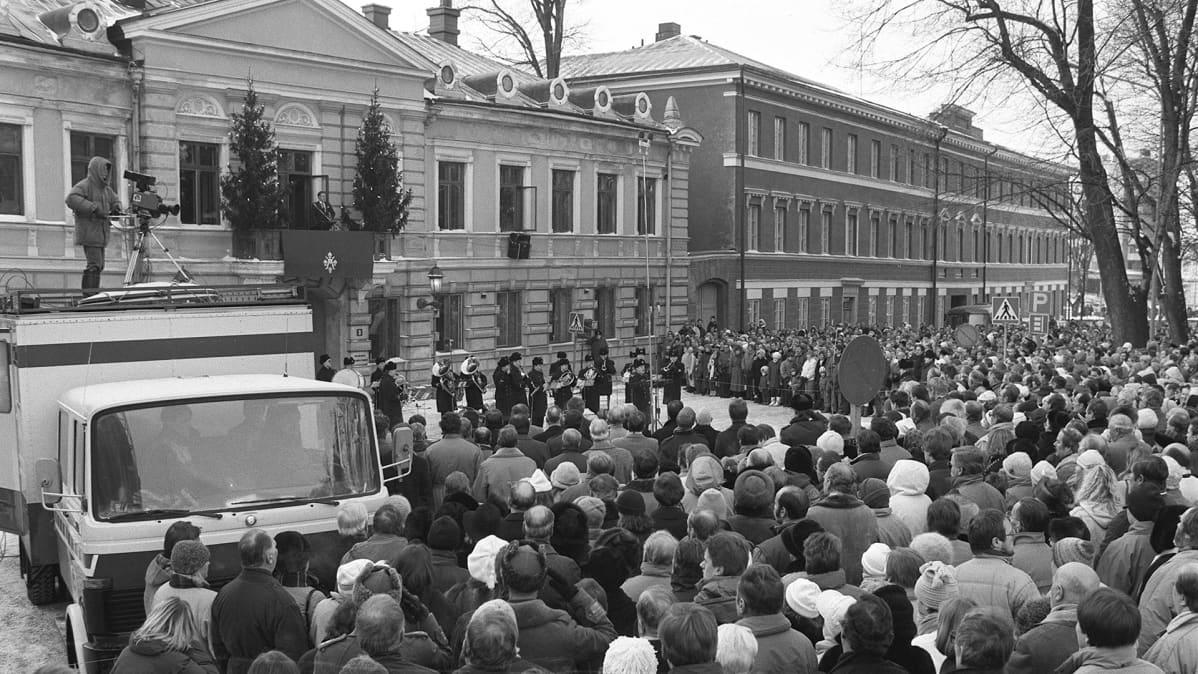 Joulurauhan julistus Turun raatihuoneella 1986.