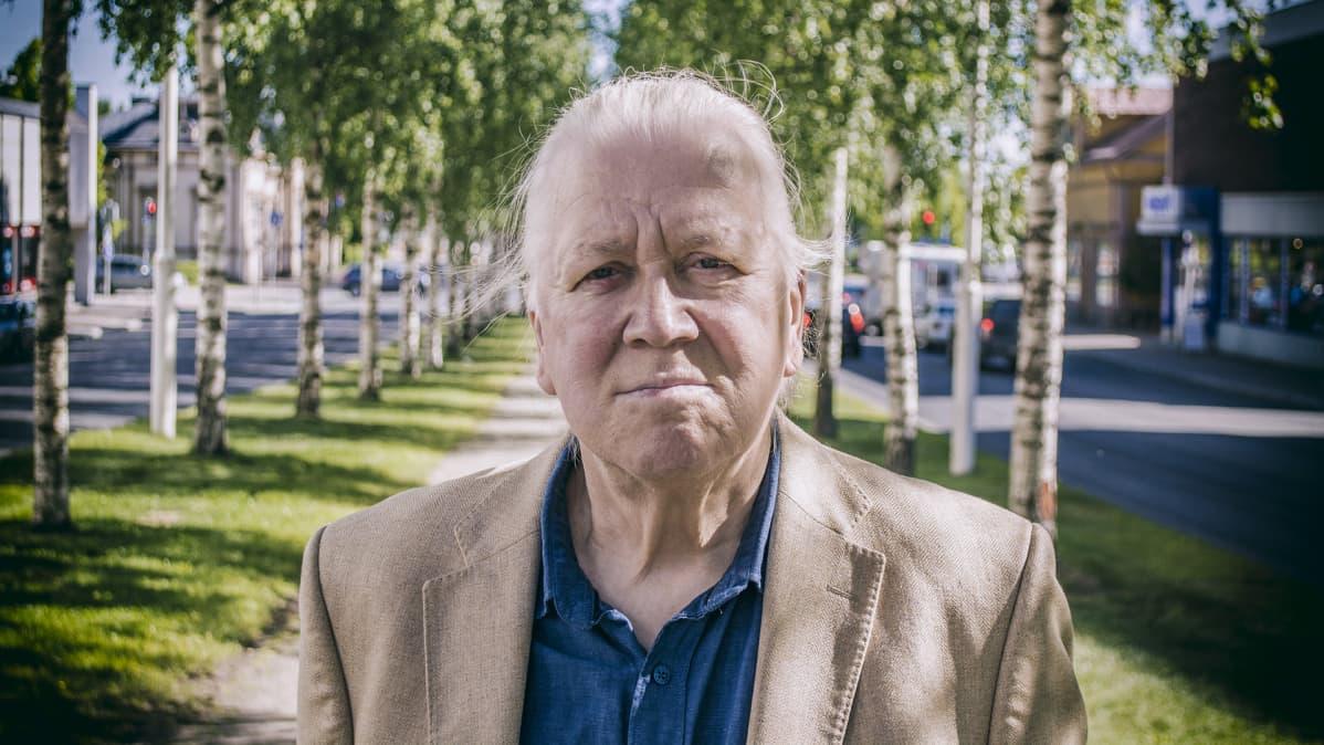 Kuvanvesitäjä Pekka Kauhanen.
