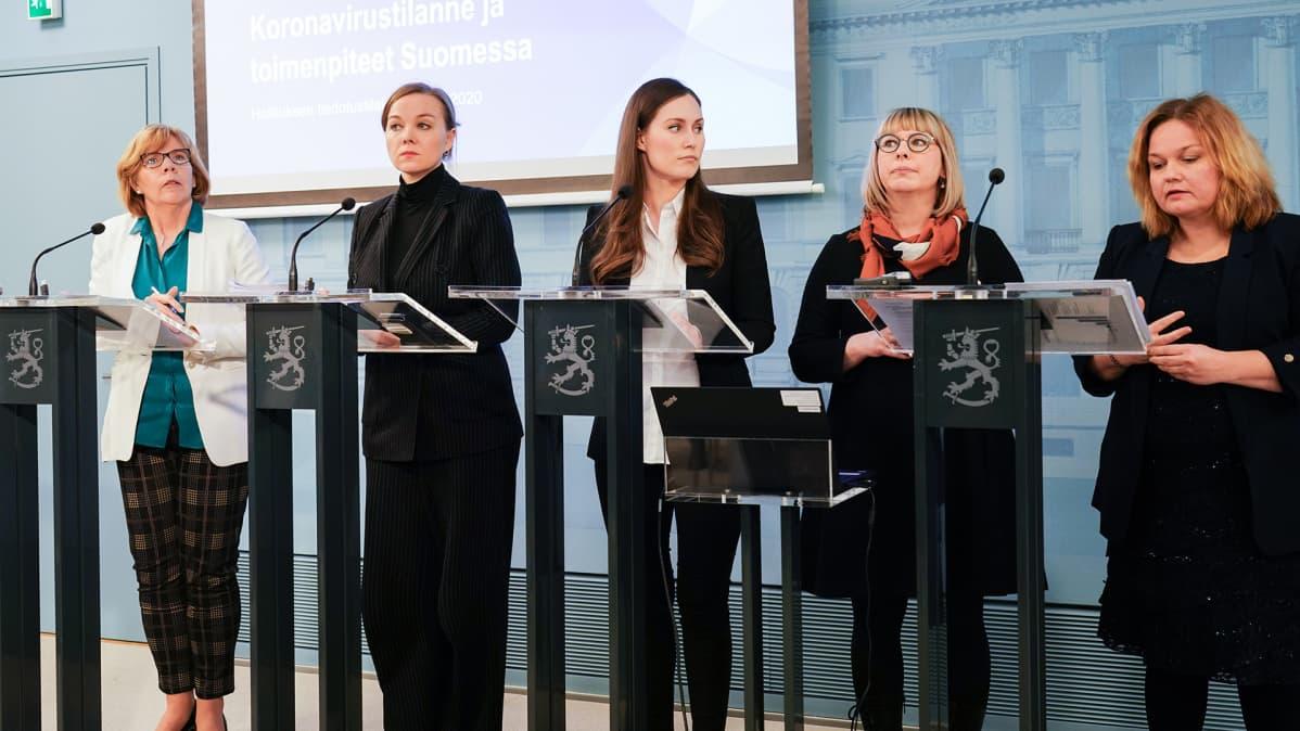 Pääministeri Sanna Marinin hallitus pitää tiedotustilaisuuden koronavirustilanteesta.