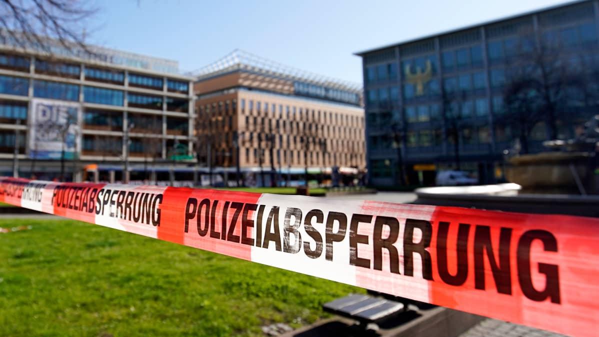 Poliisin sulkuteippi Mannheimissa, Saksassa 23. maaliskuuta.