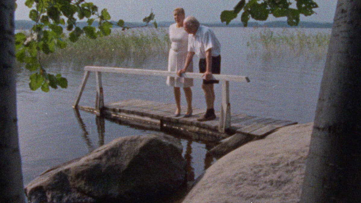 Alvar ja Elissa Aalto laiturilla