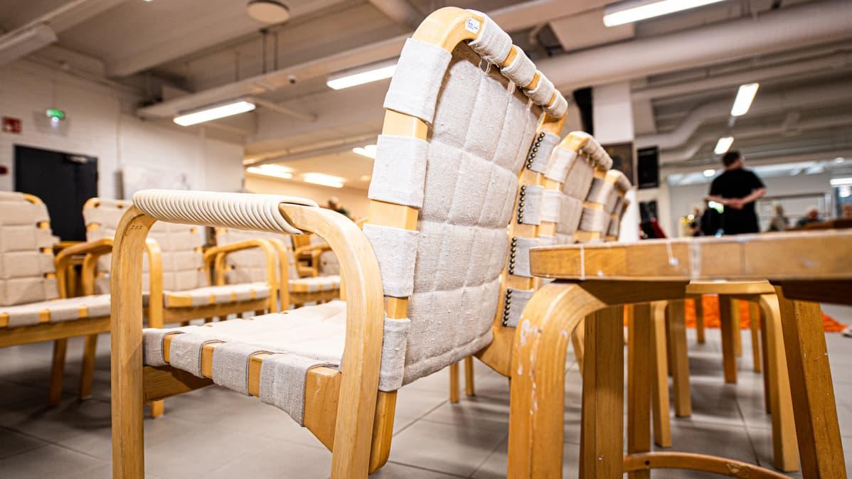 Alvar Aallon tuoleja.