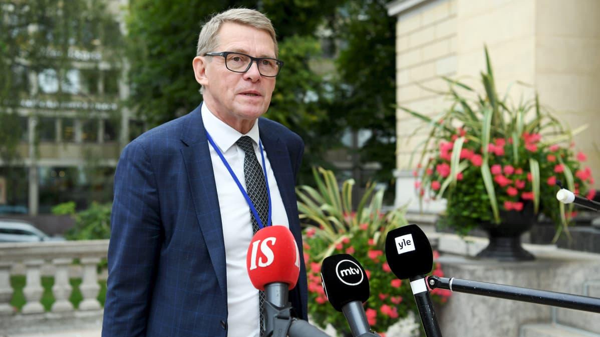 Valtiovarainministeri Matti Vanhanen Säätytalolla 3. syyskuuta.