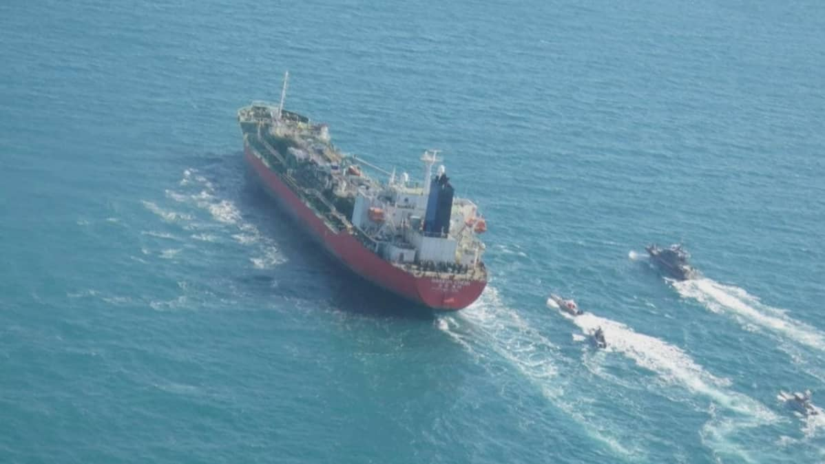 Iran otti kiinni Etelä-Korean lipun alla purjehtivan öljytankkerin.