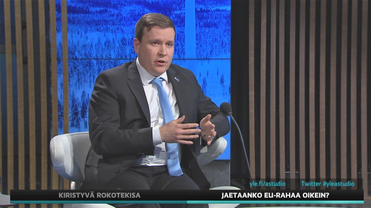 Perussuomalaisten kansanedustaja Ville Tavio
