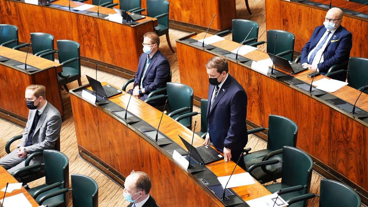 Perussuomalaisten kansanedustajia eduskunnassa.