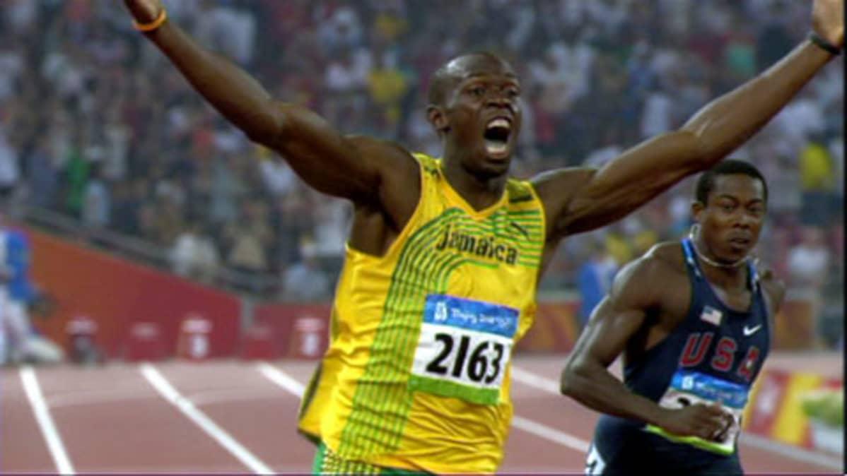 Usain Bolt leikitteli Pekingissä ME-ajaksi 9,69.