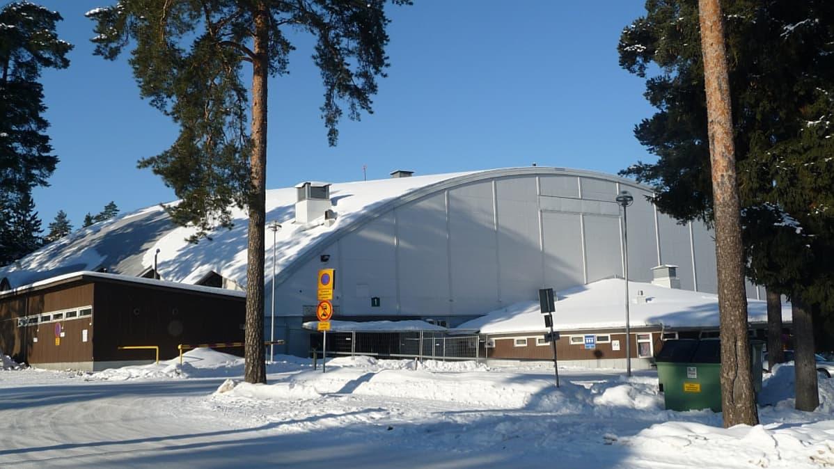 Isomäen jäähalli