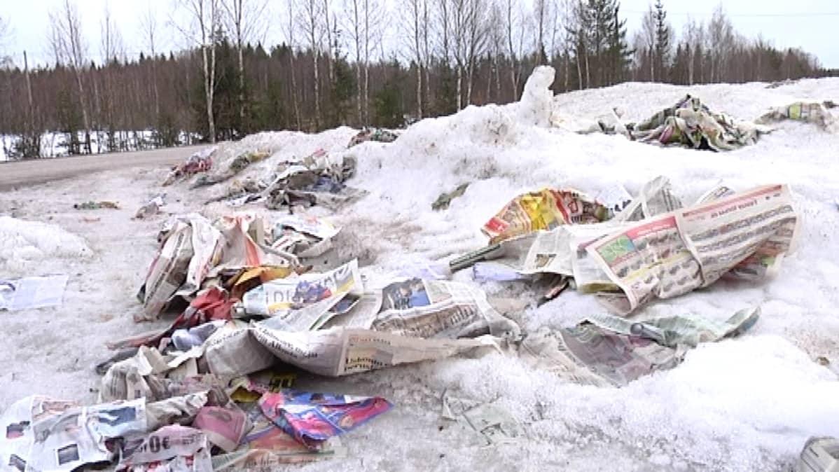 Keuruun ja Jämsän välisen tien pientareilla riittää siivottavaa lähipäiville