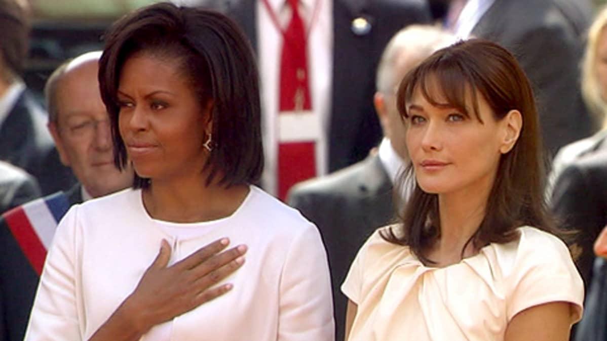Michelle Obama ja Carla Sarkozy.