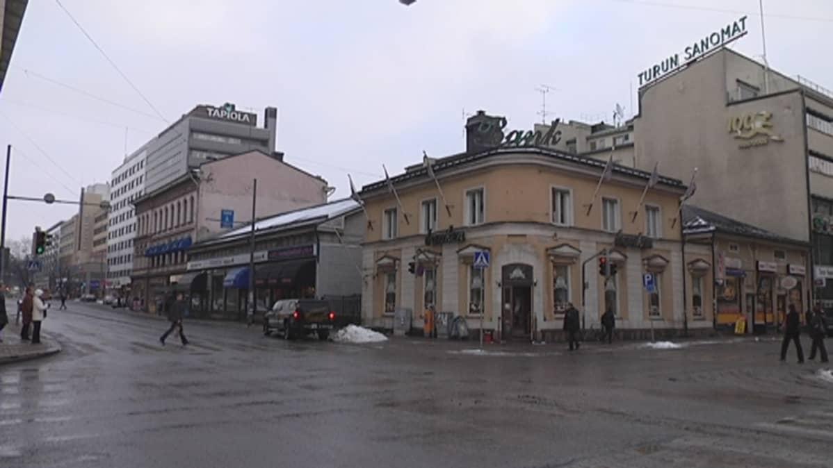 Turun torinkulmassa oleva vanha Ålandsbankenin talo.
