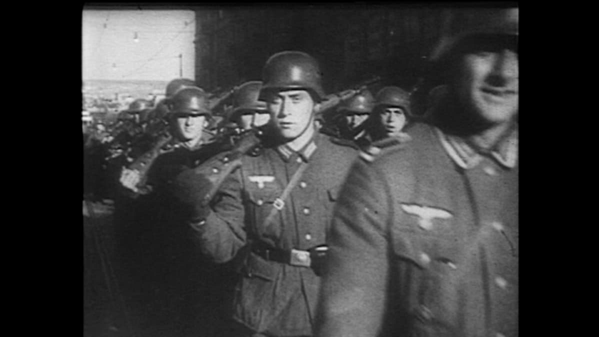 Toisen maailmansodan aikana taltioitua kuvaa saksalaissotilaista.
