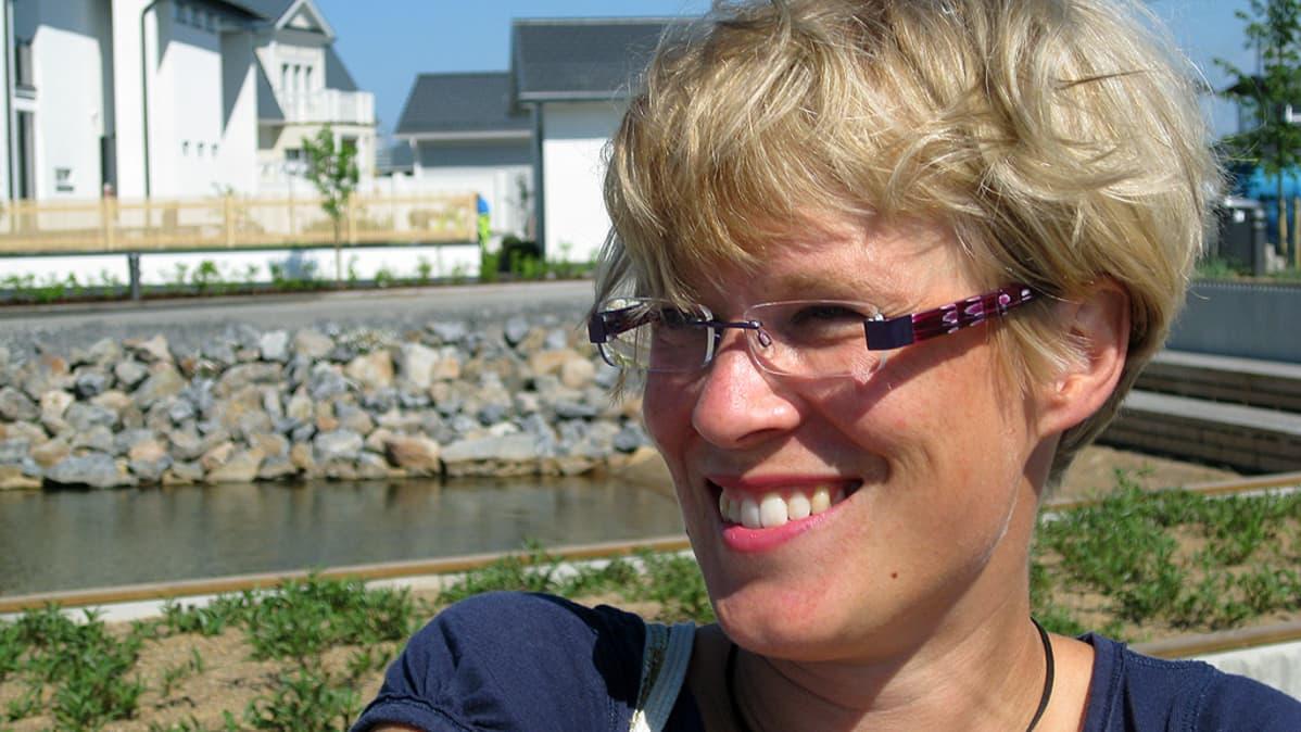 Aamu-tv:n toimittaja Maria Stenroos.