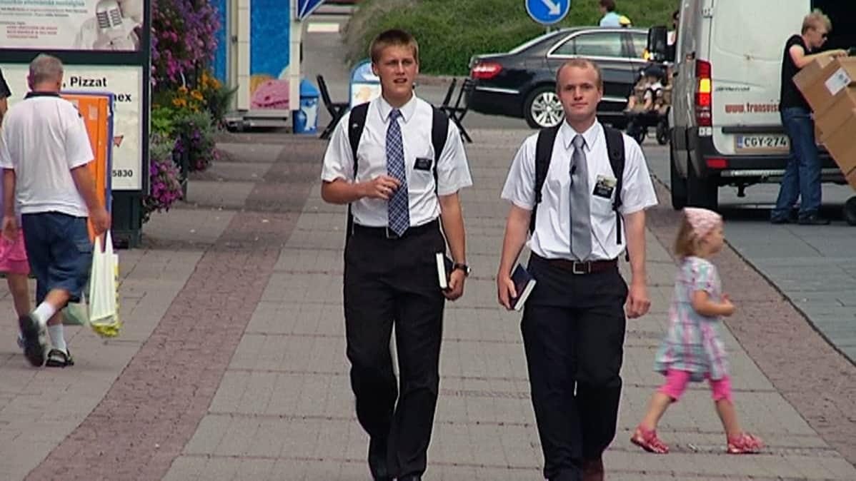 Mormoneja kadulla
