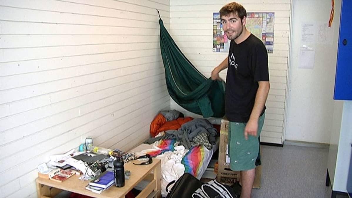 Jake Laskin asuu nyt Jyväskylän yliopiston hätämajoituksessa.