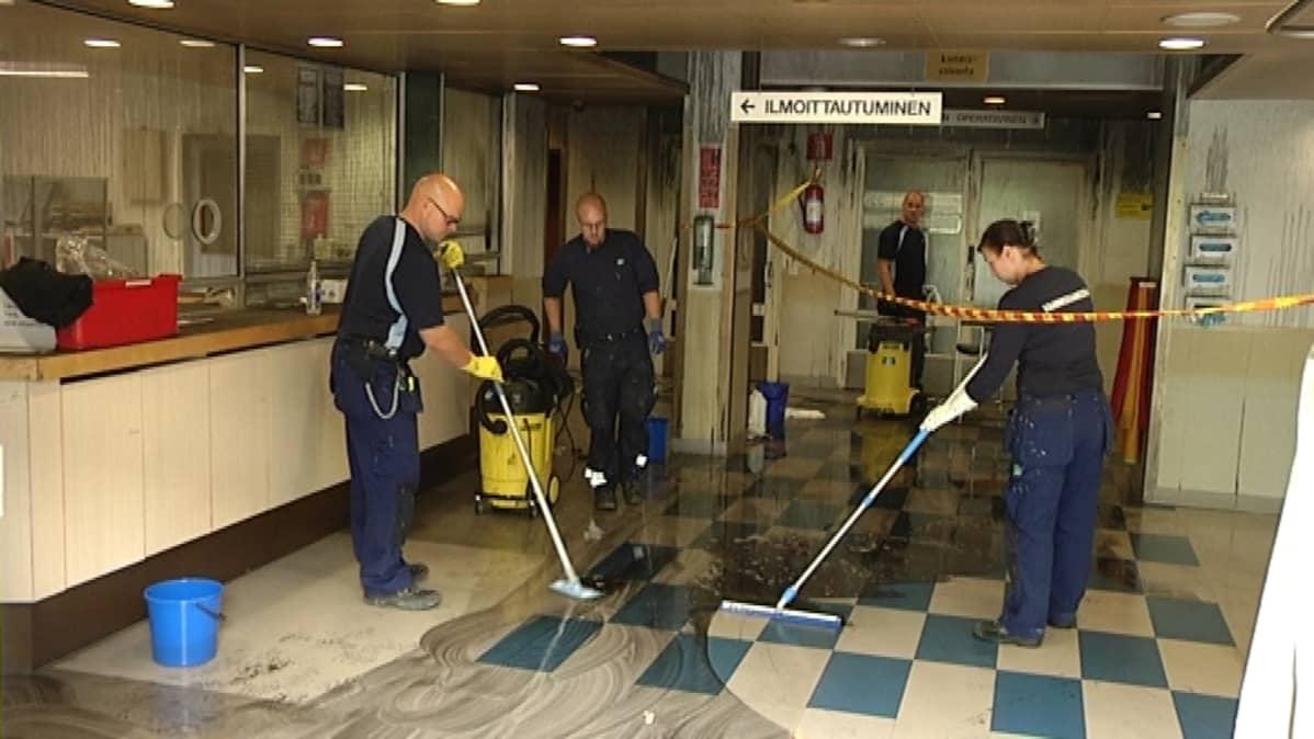 TYKSin A-sairaalan tiloissa riittää siivottavaa.
