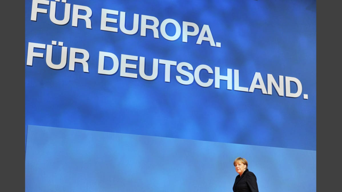 Liittokansleri Merkel saapuu Leipzigissa 14. marraskuuta 2011 alkavaan kristillis-demokraattisen unionin konferenssiin.