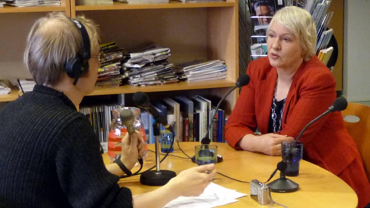 Liisa Hyssälä Turun Radion haastattelussa.