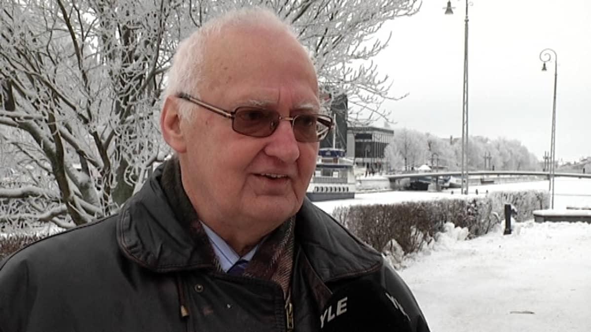 Professori Taina suomii telakkatyöryhmän toimenpideraporttia valjuksi.