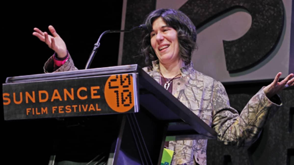 Debra Granik Sundance-elokuvafestivaalien palkintojenjakotilaisuudessa.
