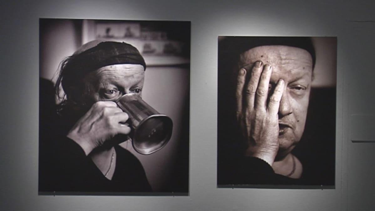 Kuvia Juice -näyttelystä VB- valokuvakeskuksessa.