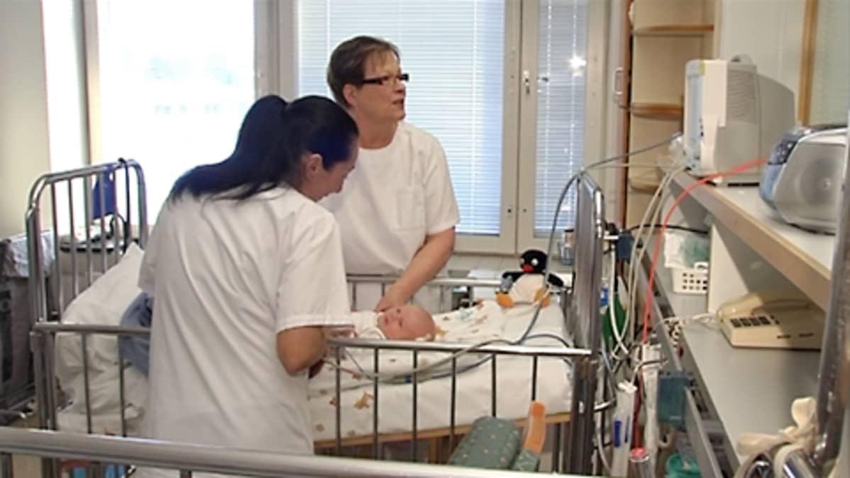 Lastenklinikan potilaat ja henkilökunta tarvitsevat kipeästi uusia tiloja.