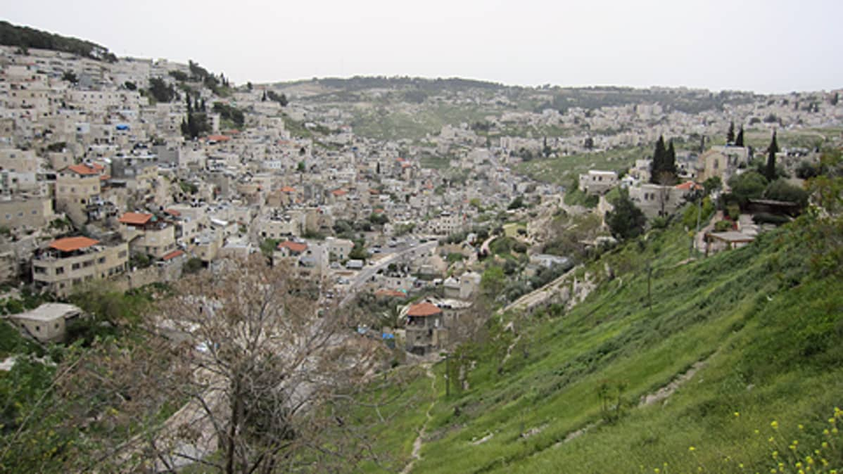 Kuva kukkulalta laaksoon Silwanin asuinalueeseen Itä-Jerusalemissa.