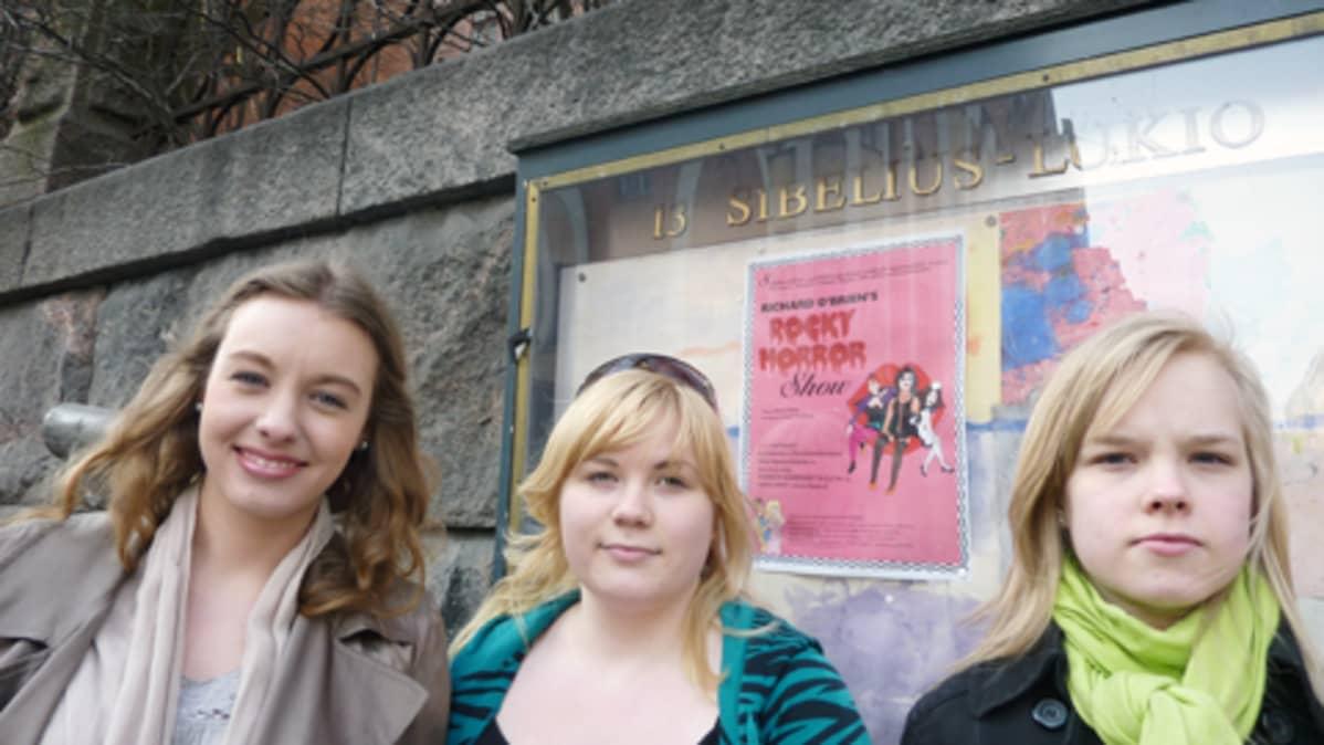 Saara Lindahl, Aino Mäntyranta ja Hanna Kokkonen