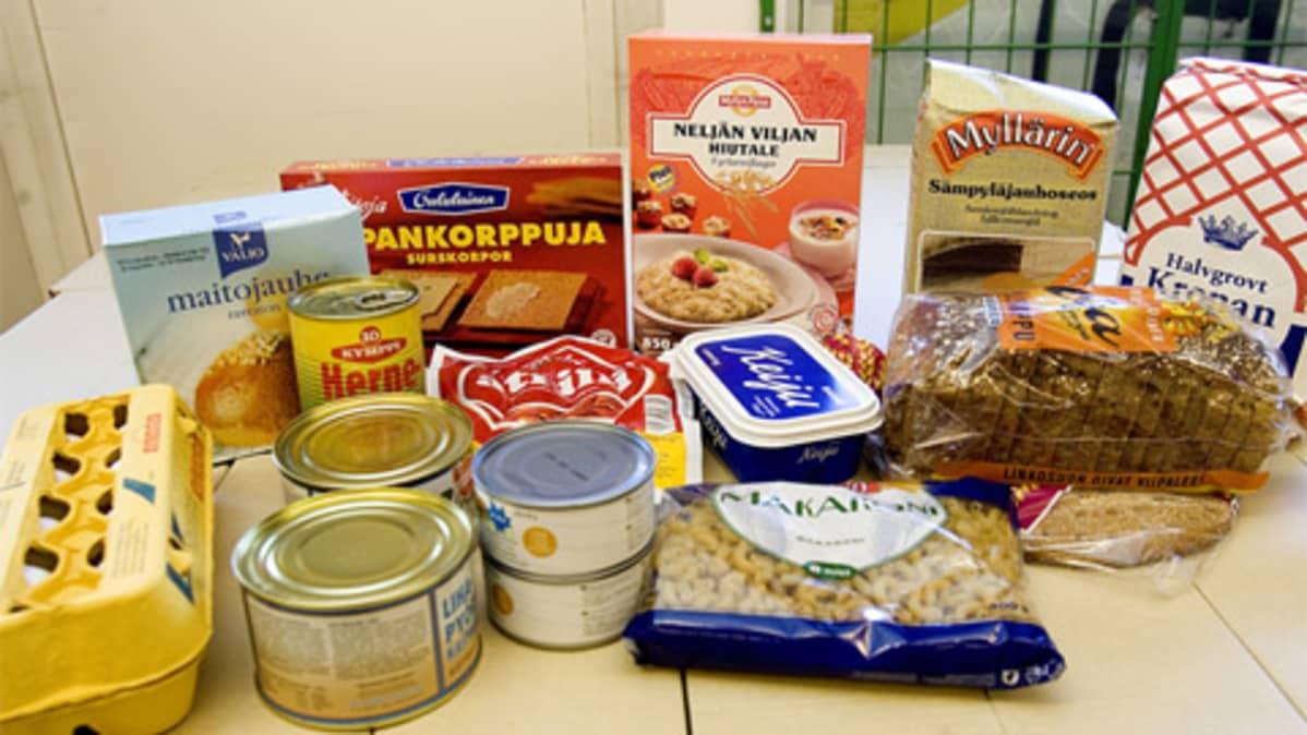 Ruoka-avussa jaettavia ruokia