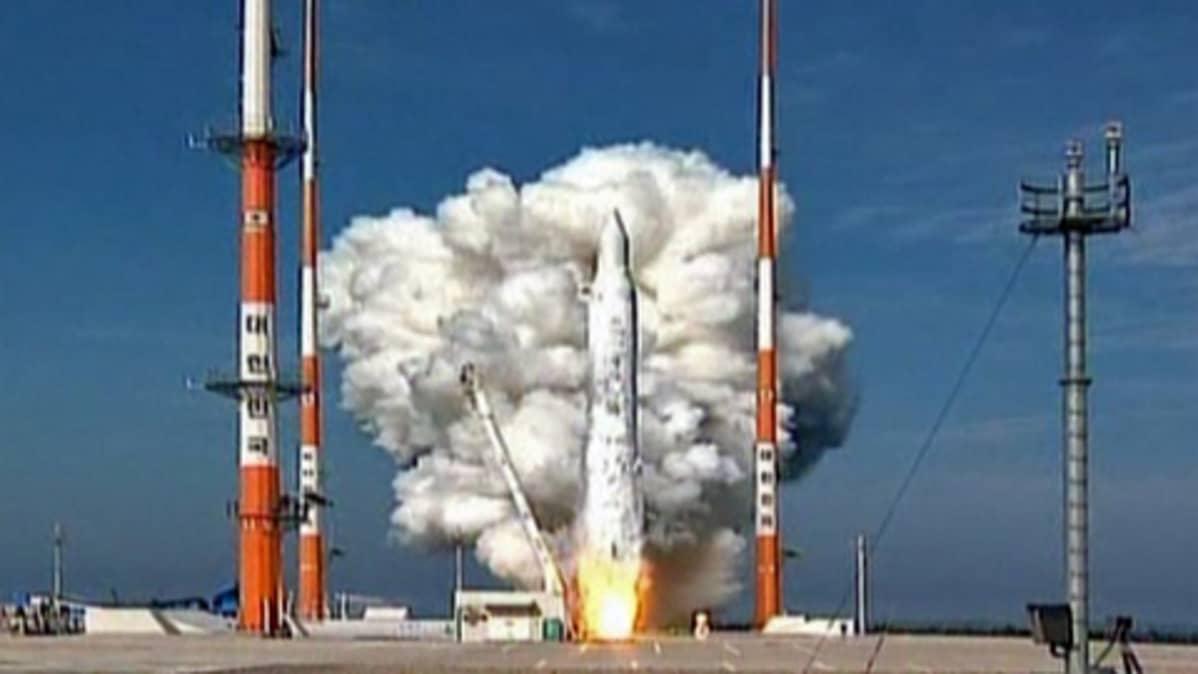 Etelä-Korean yritys laukaista avaruuteen tutkimussatelliitti