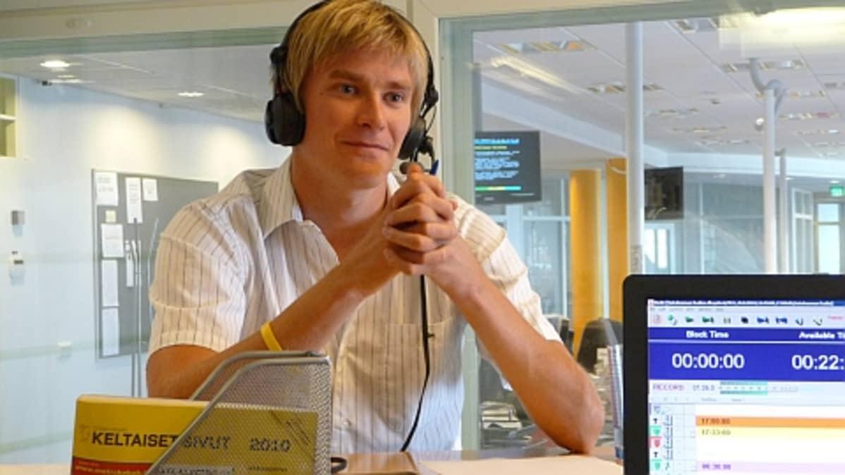 Kilpa-autoilija Markus Niemelä.