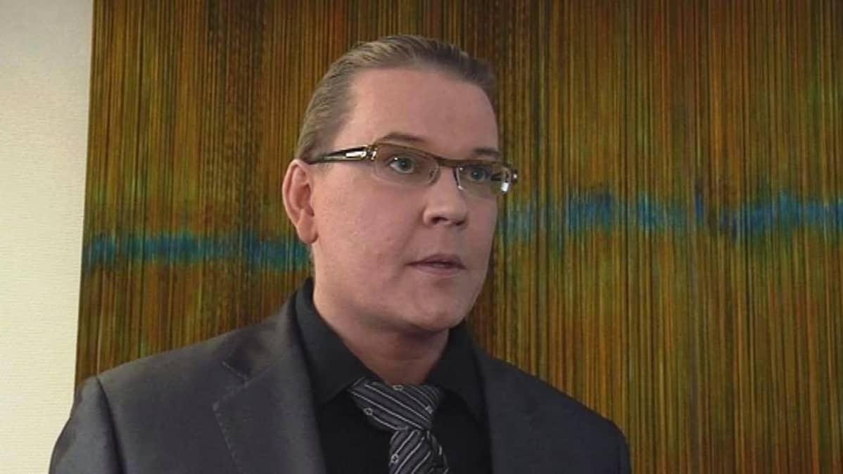 Lapin yliopiston rehtori Mauri Ylä-Kotola