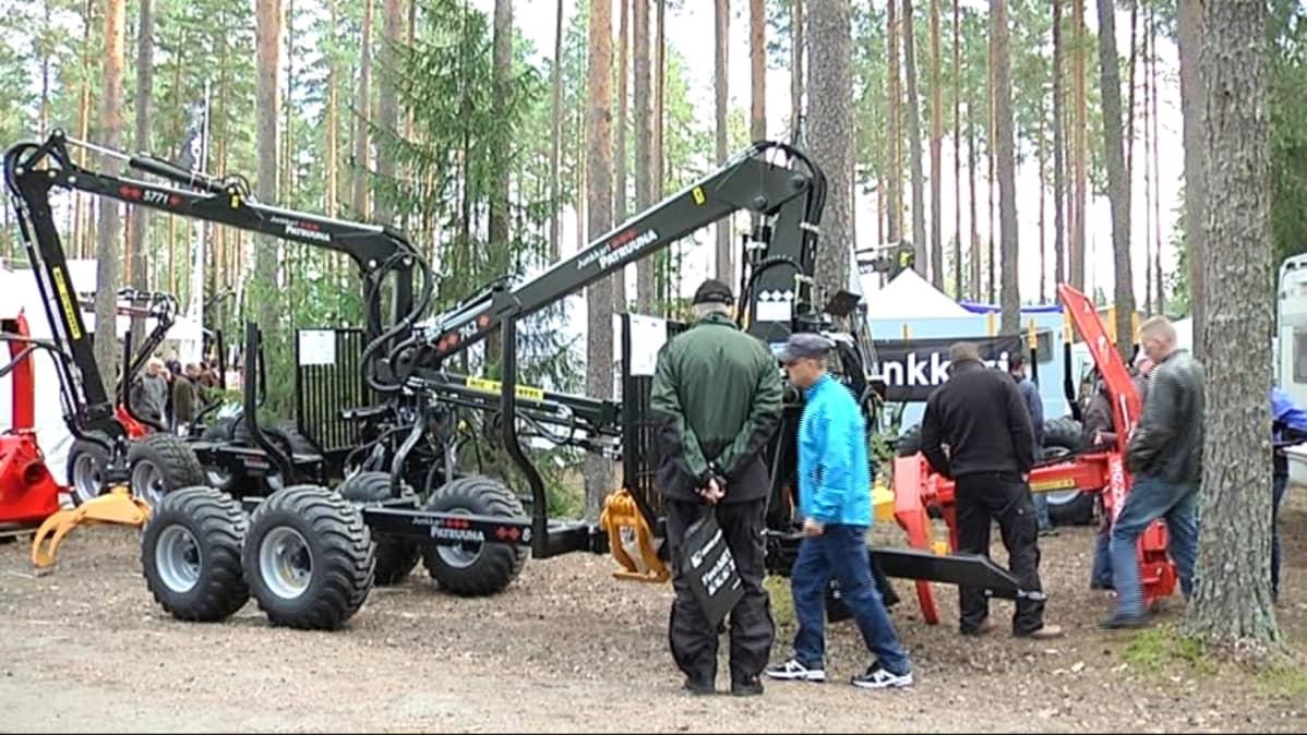 FinnMetko tutustuttaa raskaskoneisiin.