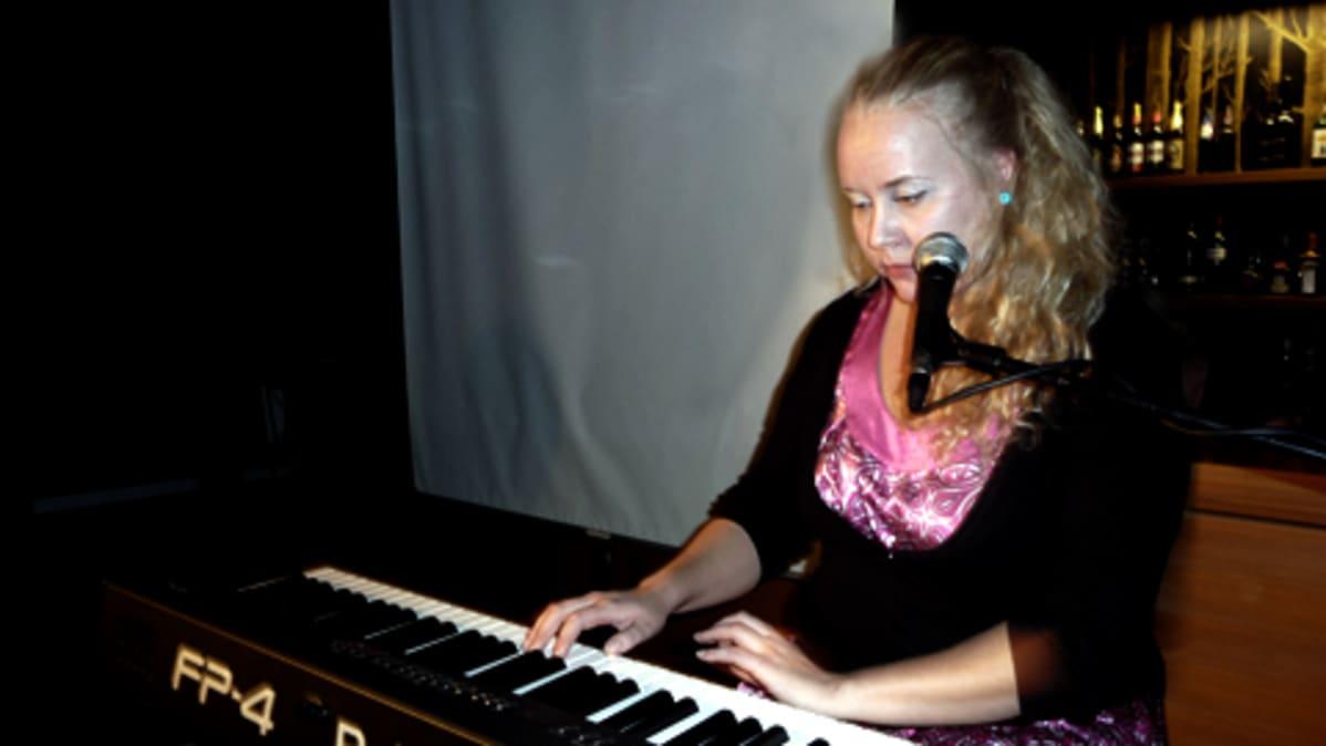 Stand up -koomikko Ida Grönlund