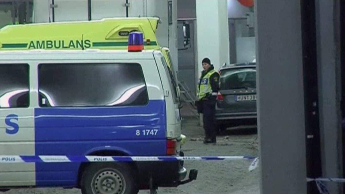 Poliisi Tukholman terrori-iskun jälkitöissä
