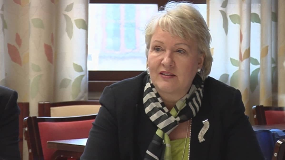 Sosiaali- ja terveysministeri Liisa Hyssälä (Kesk)