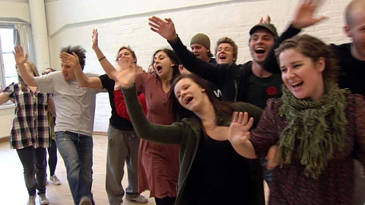 Lahden kansanopiston teatterikoulutus yhteistyöhön Taideyliopiston Teatterikorkeakoulun ja avoimen yliopiston kanssa