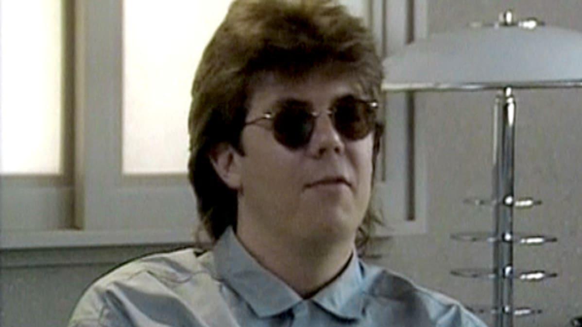 Käsikirjoittaja-ohjaaja John Hughes vuonna 1986.