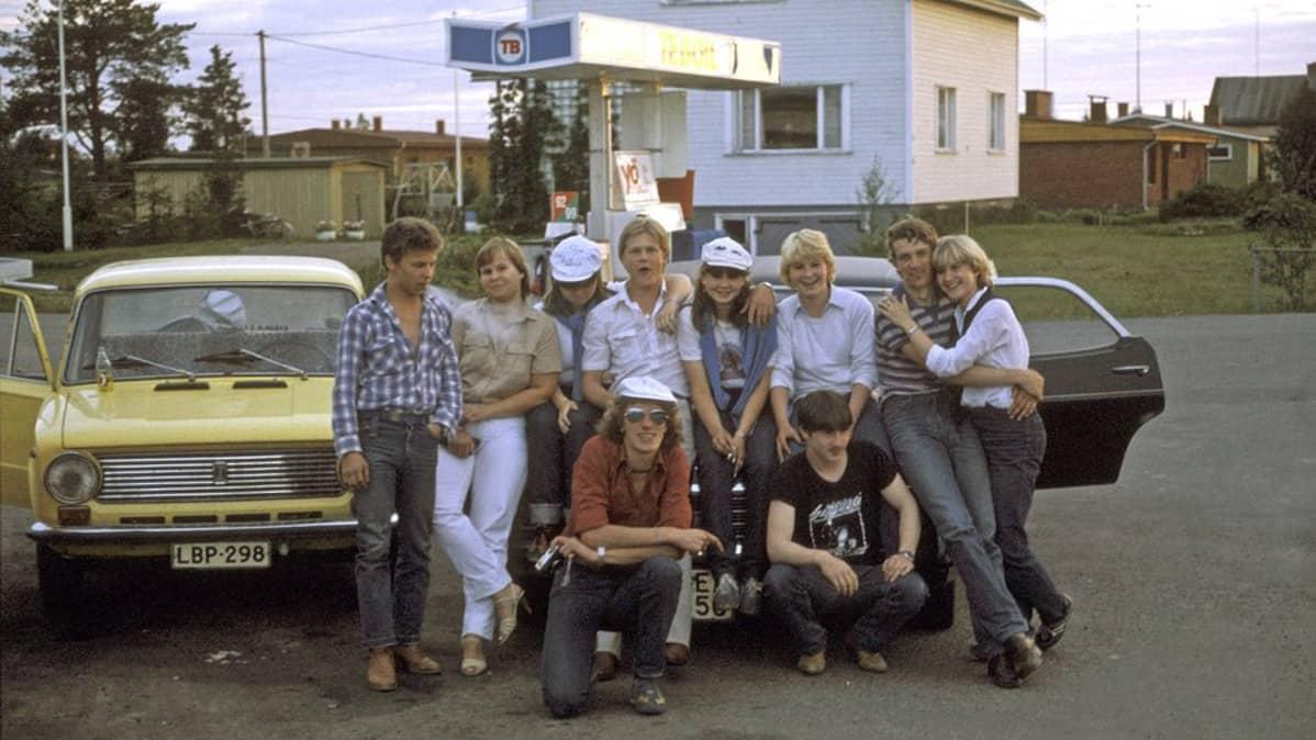 Nuoria Kittilän Teboililla v. 1982