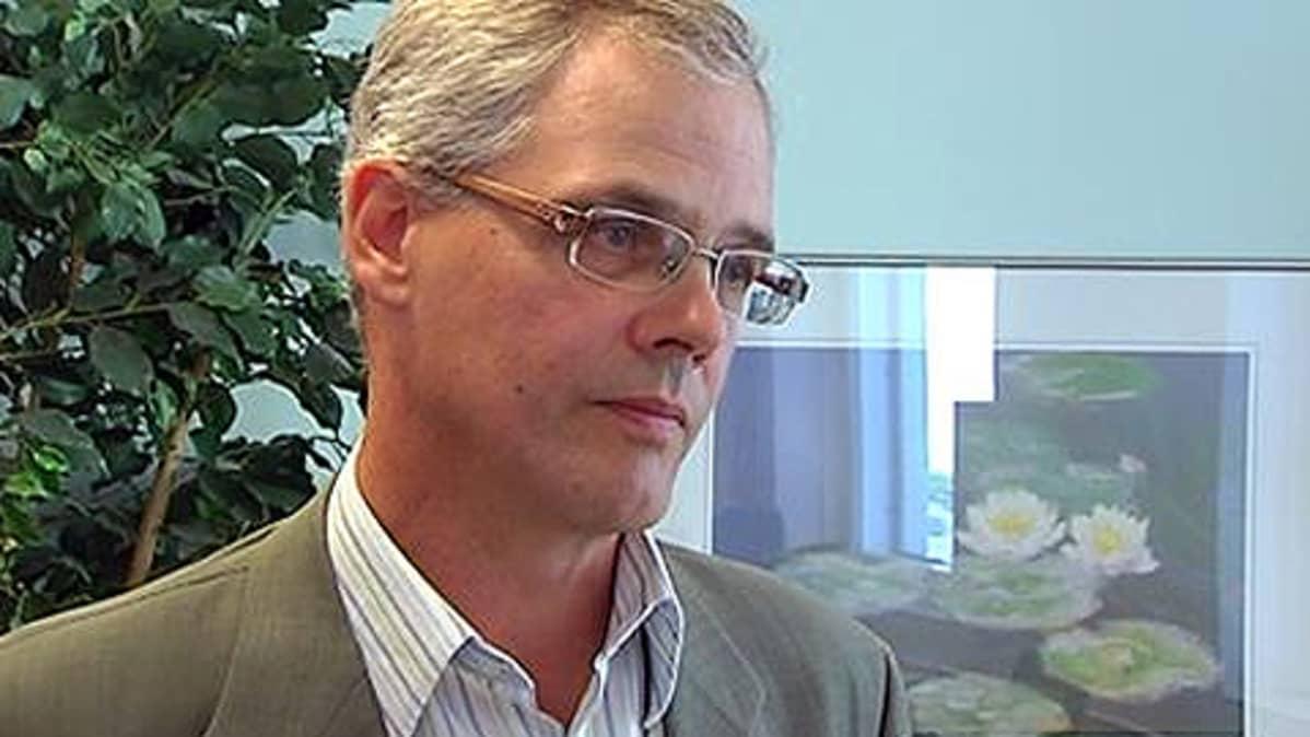 Työterveyslaitoksen tutkimusprofessori Guy Ahonen