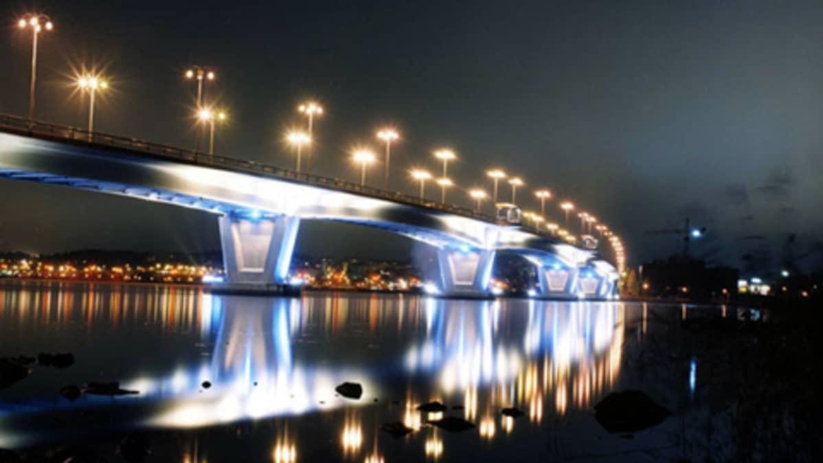 Jimi Kasteenpohjan siltaa esittävä valokuva