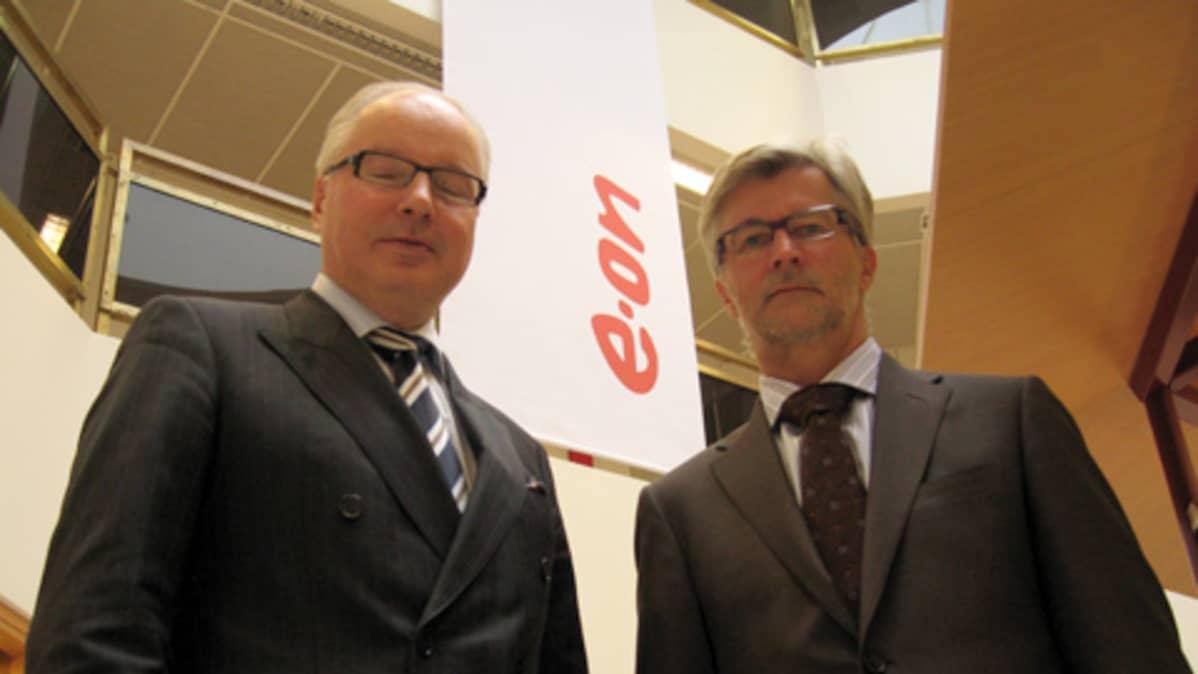 Suomen E.ONin Executive Vice President Matti Manninen E.ON Nordic ja toimitusjohtaja Markku Ryymin E.ON Suomi Oy