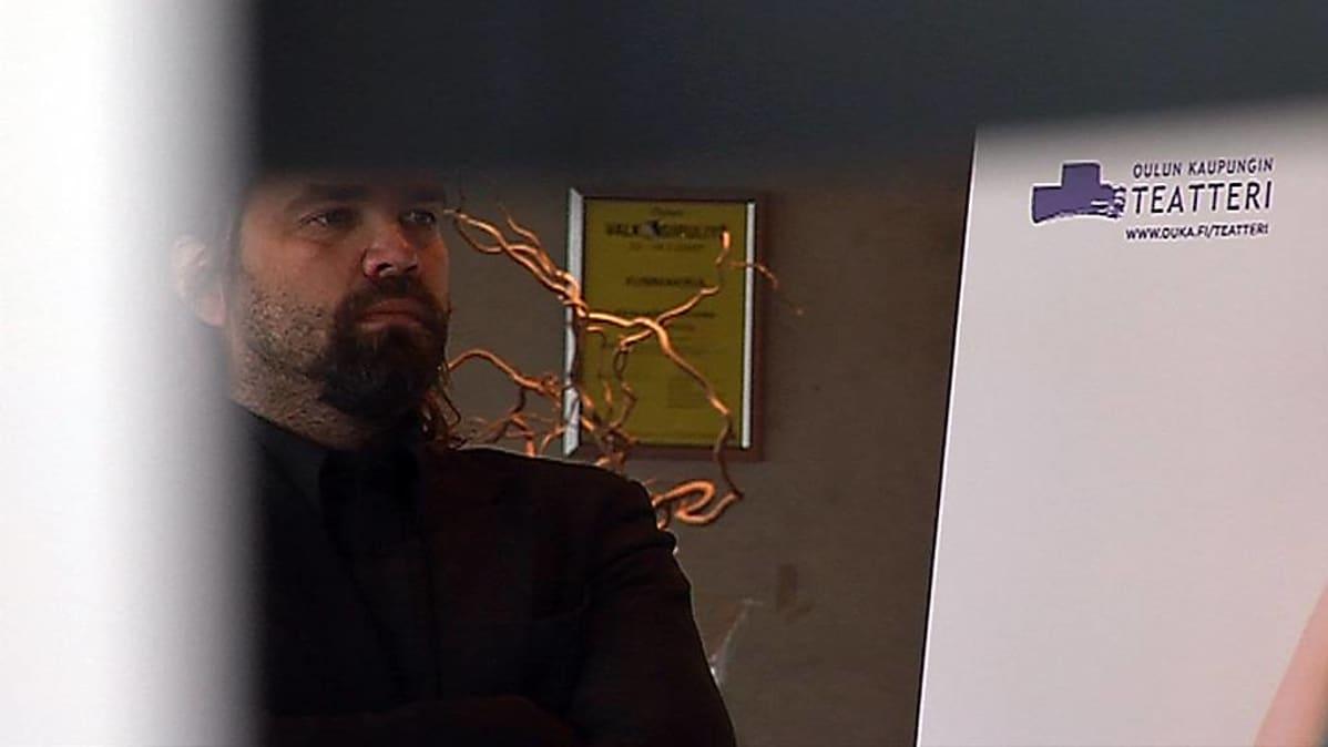 Oulun kaupunginteatterin taiteellinen johtaja Mikko Kouki