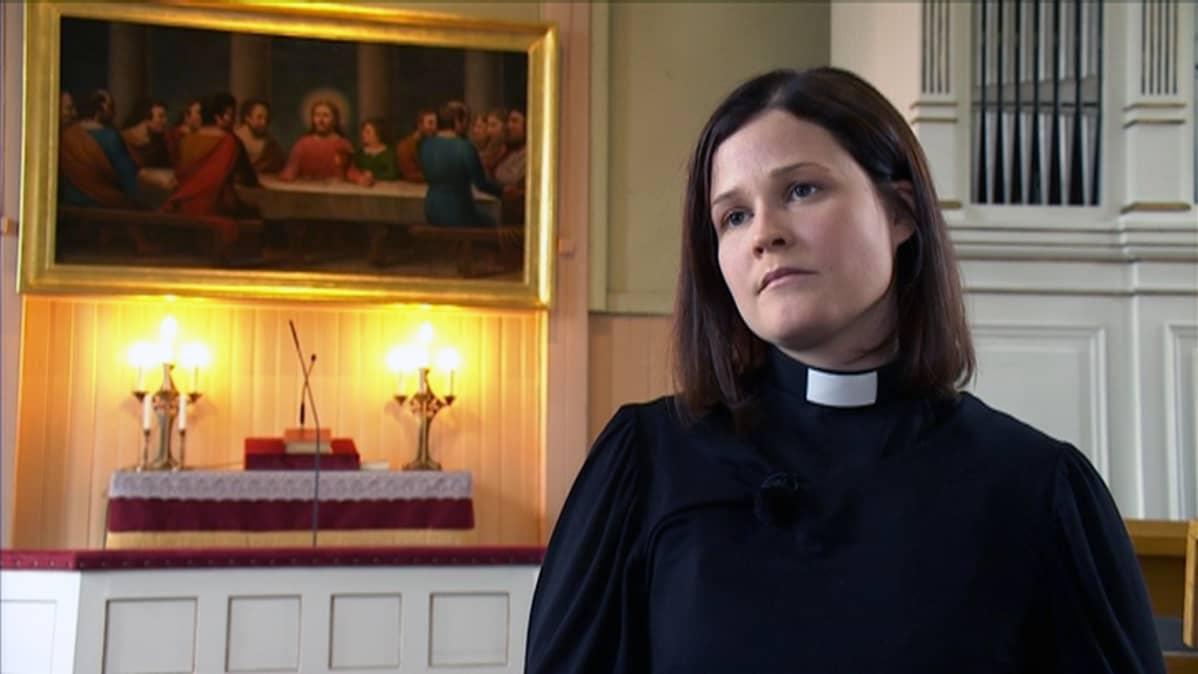 Liedon seurakuntapappi Mari Leppänen.