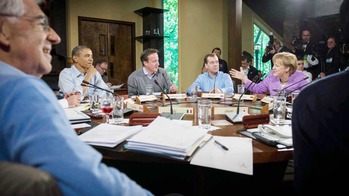 Mario Monti, Barack Obama, David Cameron, Dmitry Medvedev ja Angela Merkel.
