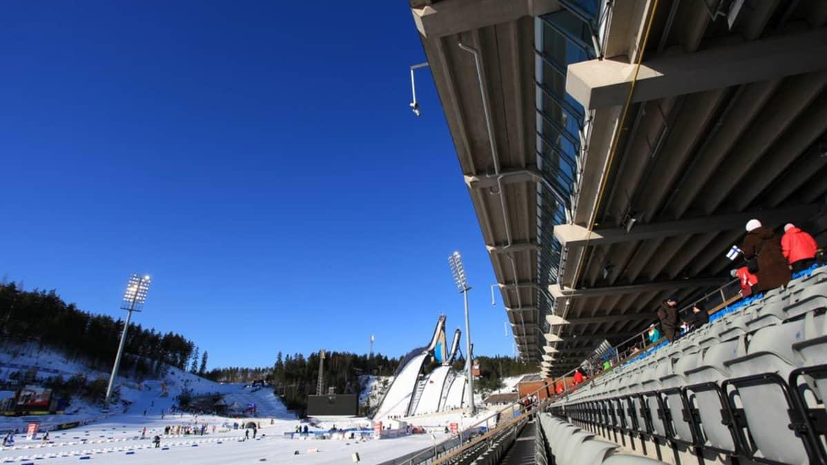 Lahden stadion Salpausselän kisojen aikaan.