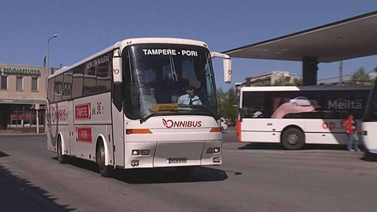 Onnibus-yhtiön linja-auto