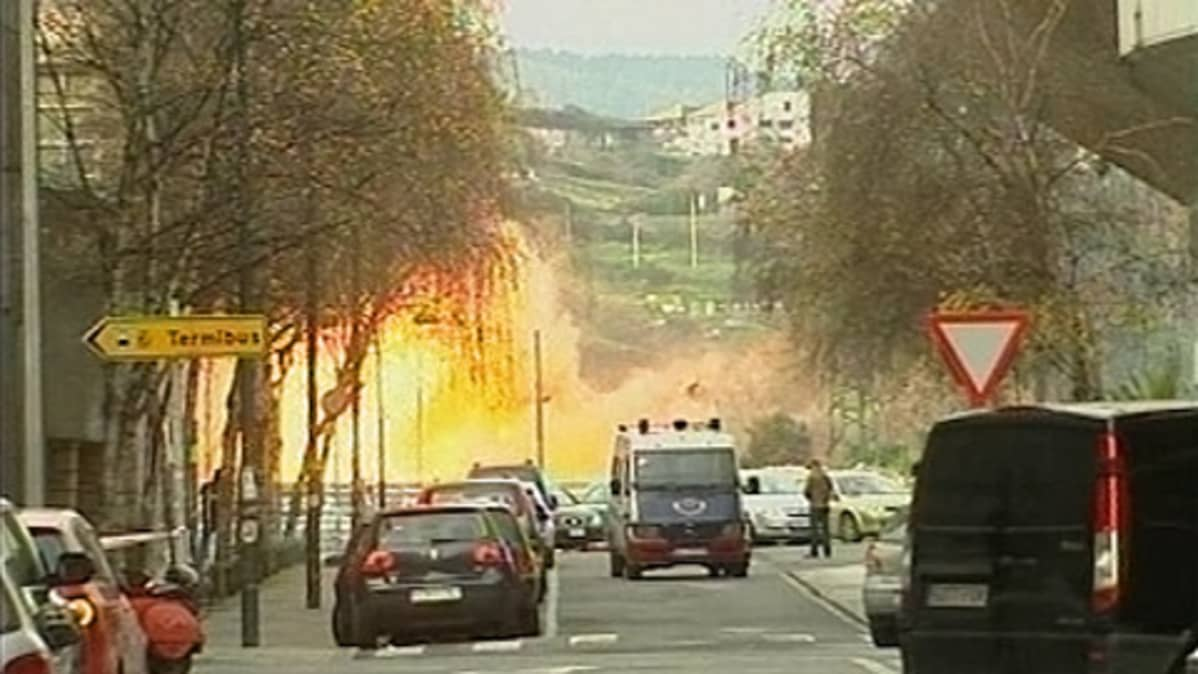 Pommi räjähti Espanjan baskialueella.